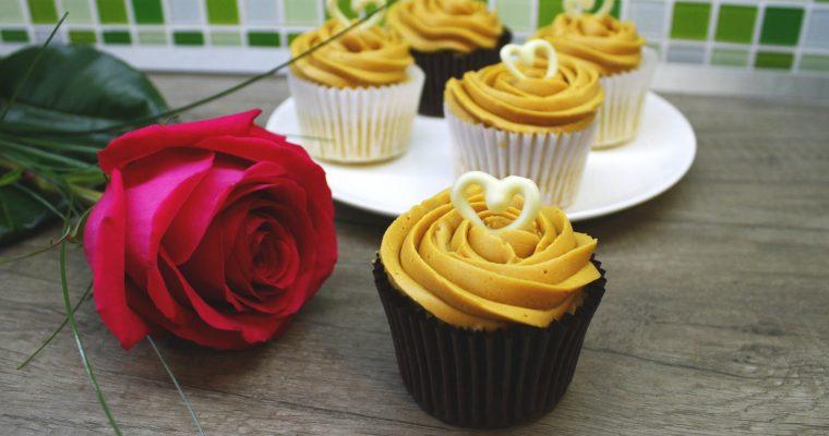Vanilkové cupcaky s karamelovým krémom